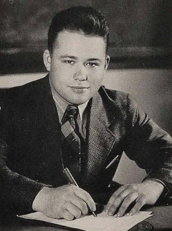 Hockett 1939 yearbook desk shot.jpg